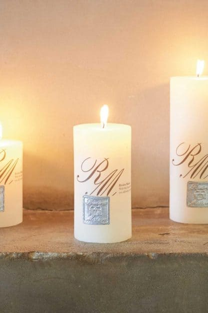 Frosted Candle whisper white 13x7