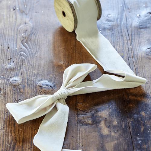 Fabulous Velvet Ribbon winter white