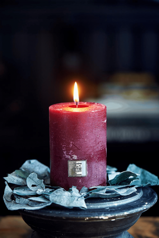 Rustic Candle cranberry 7x10