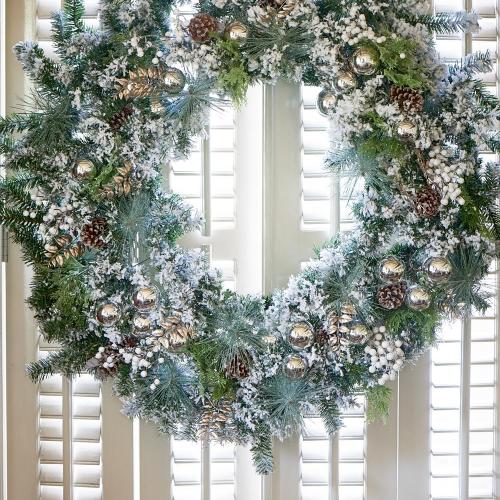 An Amazing Christmas Wreath 150cm